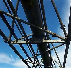 Lattice girder bridge
